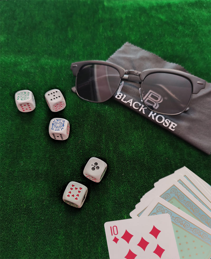γυαλιά ηλίου φέρνουν κέρδη στα χαρτιά και στο black jack, ζάρια, εξάρες, 10 καρό, μαύρα γυαλιά ηλίου black rose